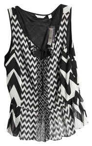 New York & Company Top * Black and white