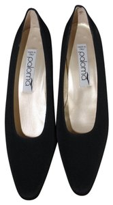 Paloma Black Pumps