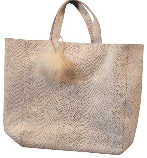 Item - Bag Large And White with Gold Design Faux Snake Skin Tote