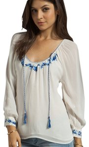 Sanctuary Clothing Peasant Embroidered Top white