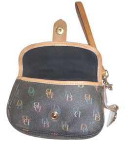 Dooney & Bourke & Wallet Pouch Clutches Wristlet in gray /brown