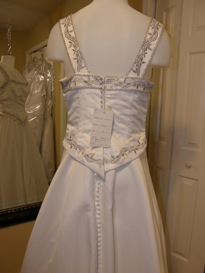 8151 Wedding Dress
