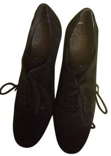 Preload https://item1.tradesy.com/images/joan-and-david-black-formal-shoes-size-us-7-138130-0-0.jpg?width=440&height=440