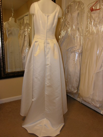 10072 Wedding Dress
