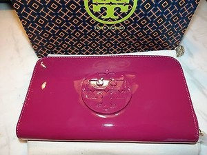Tory Burch Tory Burch Stacked T Continental Jellybean Zip Clutch Wallet In Wildflower 195