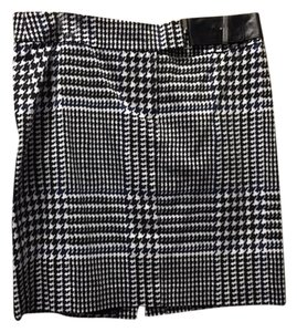 Michael Kors Front Zip Mini Skirt Black and White Houndstooth