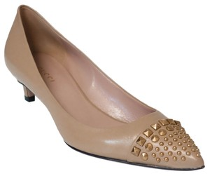 Gucci 353727 Leather Metal Studs Pale Camel (Nude) Pumps