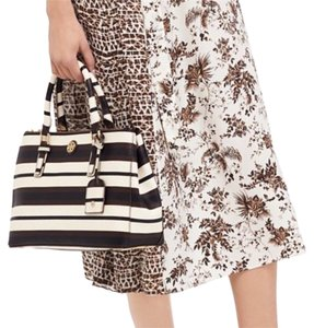 Tory Burch Tote in Raisin
