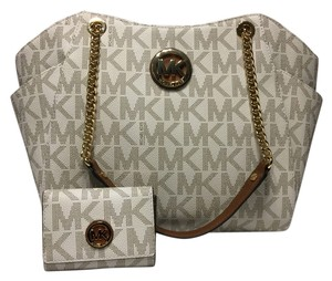 Michael Kors Jet Set Travel Tote in Vanilla PVC