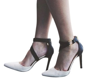 Banana Republic Black White Pumps