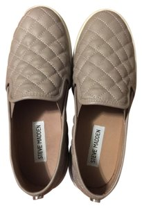 Steve Madden Quilted Grey Flats