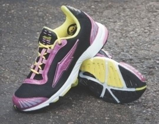 Avia Avi-bolt Iii Running Black with pink & yellow Athletic