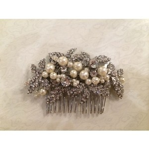 Beautiful Never Worn Hair Comb