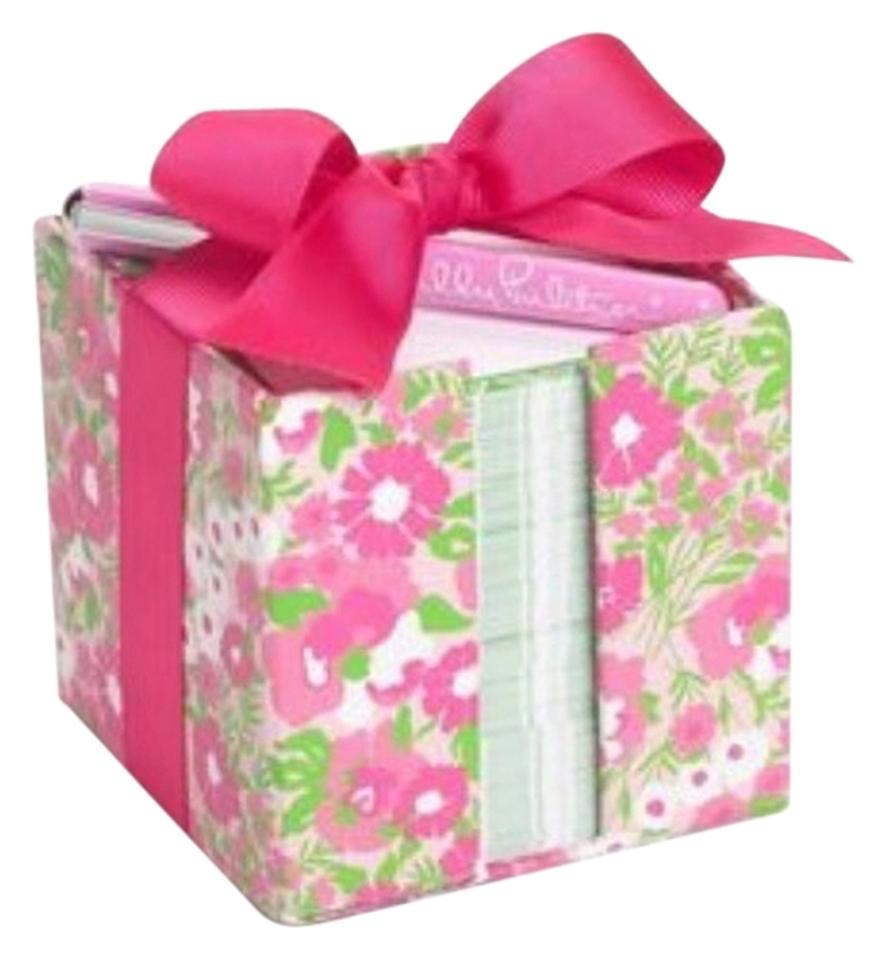 Lilly Pulitzer Note Cube with Pen - Tradesy