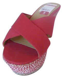 Nine West Red Wedges