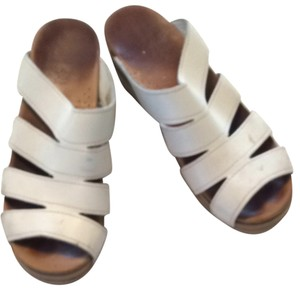Dansko White Leather. Sandals