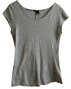 DKNY T Shirt gray and white