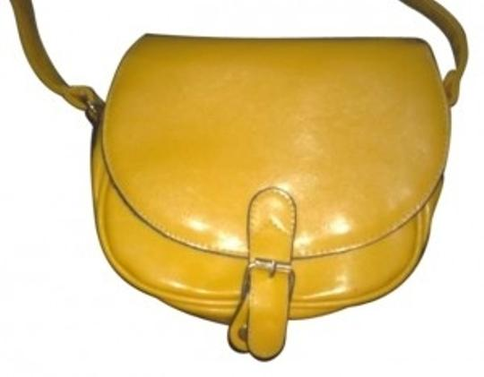 Preload https://item2.tradesy.com/images/mudd-yellow-leather-genuine-messenger-bag-138506-0-0.jpg?width=440&height=440
