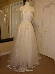 Sweetheart Clothing 2451 Wedding Dress