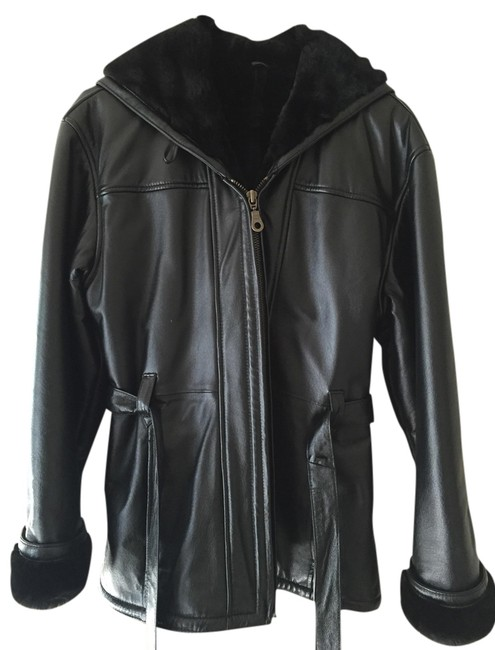 Preload https://img-static.tradesy.com/item/1385273/wilsons-leather-black-fur-coat-size-4-s-0-0-650-650.jpg