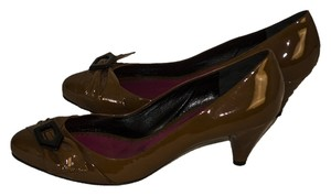 Marc by Marc Jacobs Patent Lkeather Tan / black Pumps
