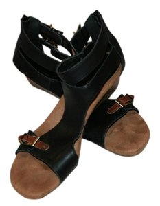 Aerosoles Black/Brown Sandals
