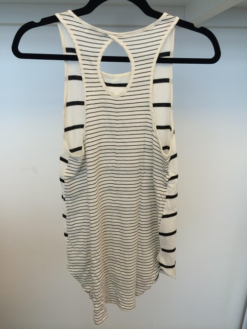 StyleMint Top Black and White
