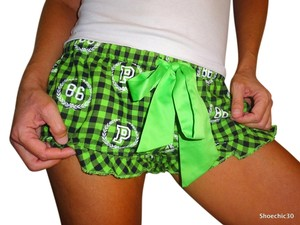 Victoria's Secret Love Fashion Fitness Mini/Short Shorts Green Black White
