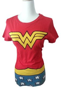 DC Shoes Wonder Woman Comics Nerd Girl Nerdy Vintage Comics Comic Book T Shirt Red