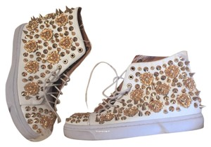Jeffrey Campbell White, gold Athletic