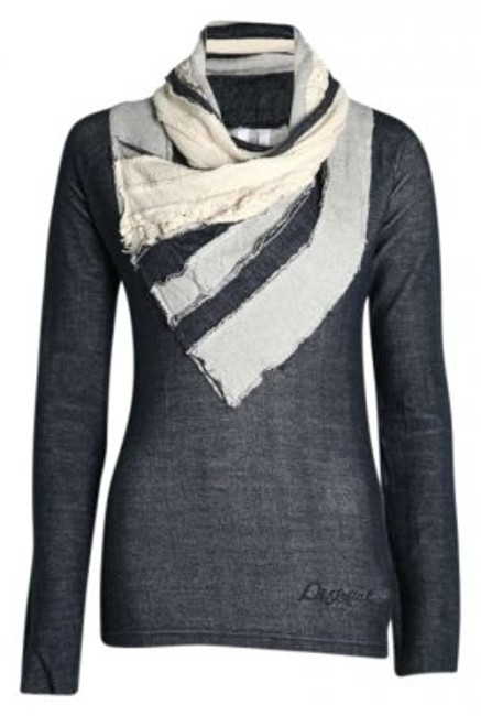 Preload https://item1.tradesy.com/images/desigual-grey-sweaterpullover-size-12-l-138720-0-0.jpg?width=400&height=650