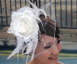 Fabulous White Birdcage Veil With Feathers
