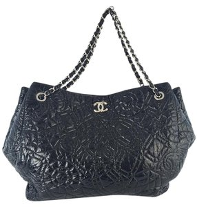 Chanel Patent Leather Tote in Black