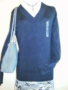Gap Sleeve Light Weight V-neck Sweater