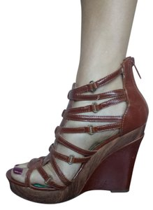 Michael Antonio Leather Trendy Stylish Like New Comfortable Brown Wedges