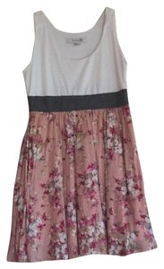 Forever 21 short dress White/Graywaistband/Flowered skirt on Tradesy
