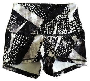 Lululemon New With Tags Lululemon Boogie Roll Down Shorts Size 4 Black And White