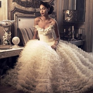 Oscar De La Renta Swan Lake Wedding Dress