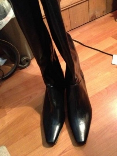 Bass Name: Venetia Style #: 5028-001 Description: Leather Small Heel (About 1-1 1/2 Inches) Zipper On The Inside Of Leg Black Boots