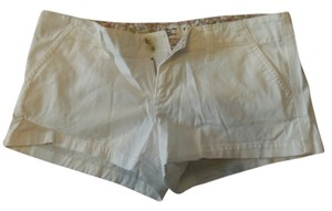 American Eagle Outfitters Classic Mini/Short Shorts White