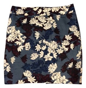 Ann Taylor LOFT Like New Floral Skirt Blue, mauroon, and white
