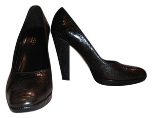 Gucci Ostrich Claw Ostrich Chocolate Brown Pumps
