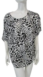 Chico's Dolman Animal Print Pleated Scoop Neck Short Sleeves Top Black