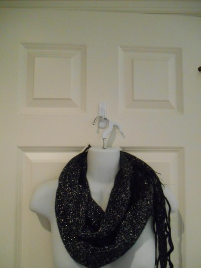 Energie Black and Silver Knit Scarf Shall Wrap Infinity Energie Large Reversible
