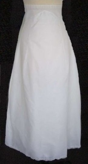 Preload https://item1.tradesy.com/images/white-bridal-petticoat-used-size-8-139025-0-0.jpg?width=440&height=440