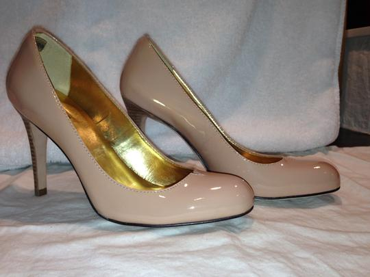 Report Signature Patent Patent Leather Leather Sole Stacked Leather Heel Ladylike Nude Pumps
