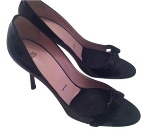 Vera Wang Leather Black Patent Pumps