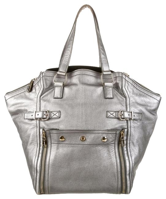 Item - Downtown Silver Leather Tote