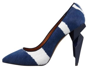 Fendi Blue and white Pumps