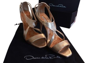 Oscar de la Renta Sitiletto Sandals 39.5 Gold Formal